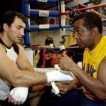 Emanuel Steward, right, trained heavyweight champion Wladimir Klitschko, among many others.
