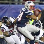Shane Vereen spins past Danieal Manning on a 25-yard run in his breakout game Sunday