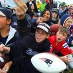 Nearly 6,400 fans crowded into the bleachers lining the Patriots' practice fields on Friday morning.