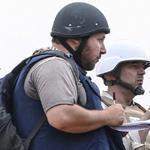 Journalist Steven Sotloff (left), shown in Libya, is being held by Islamic State militants.