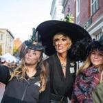October 15, 2016 | Salem, MA Nicole Oberg (left) and Amy Jakubasz (right) pose for a selfie with