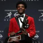NEW YORK, NY - DECEMBER 10: Lamar Jackson of the Louisville Cardinals poses for a photo after being named the 82nd Heisman Memorial Trophy Award winner during the 2016 Heisman Trophy Presentation at the Marriott Marquis on December 10, 2016 in New York City. (Photo by Michael Reaves/Getty Images)