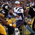 Pittsburgh, PA - 10-23-16 - New England Patriots quarterback Tom Brady (12) looks for an open receiver during second quarter action. Heinz Field - New England Patriots at Pittsburgh Steelers - 2nd quarter action. (Barry Chin/Globe staff)
