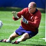 REMOTE TRANSMISION MF2 10-2-2001:Foxboro:At the practice field at the Wrentham State School, the U.S. Men's National soccer team worked out, and here goalkeeper Brad Friedel works out.