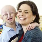 Dr. Leslie Gordon with her son, Sam Berns, who died in 2014.