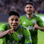 LOS ANGELES, CALIFORNIA - OCTOBER 29: Raul Ruidiaz #9 of Seattle Sounders celebrates his goal against Los Angeles FC, to take a 3-1 lead, during the second half during the Western Conference finals at Banc of California Stadium on October 29, 2019 in Los Angeles, California. (Photo by Harry How/Getty Images)