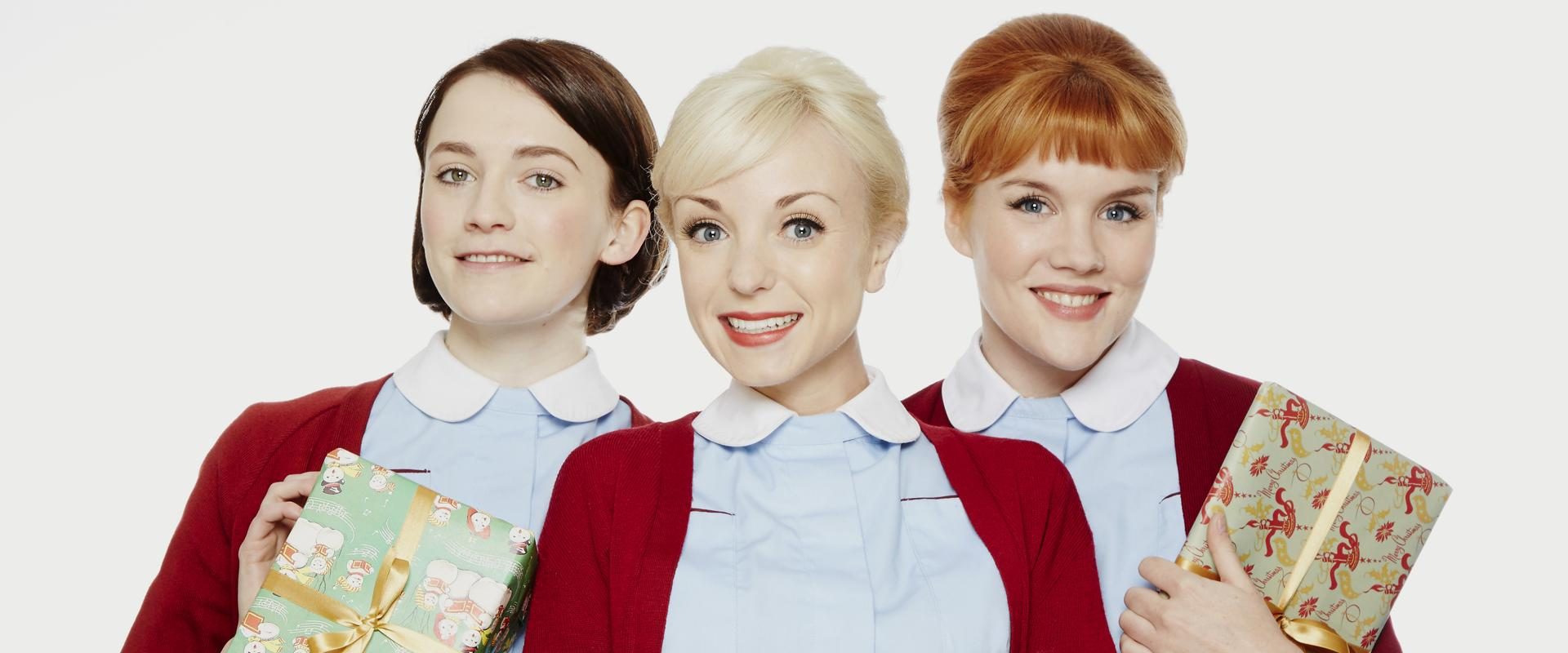 Nurse Barbara Gilbert (CHARLOTTE RITCHIE), Nurse Trixie Franklin (HELEN GEORGE), Nurse Patsy Mount (EMERALD FENNELL) CALL THE MIDWIFE S5 - CHRISTMAS SPECIAL 19HolidayTVPicks