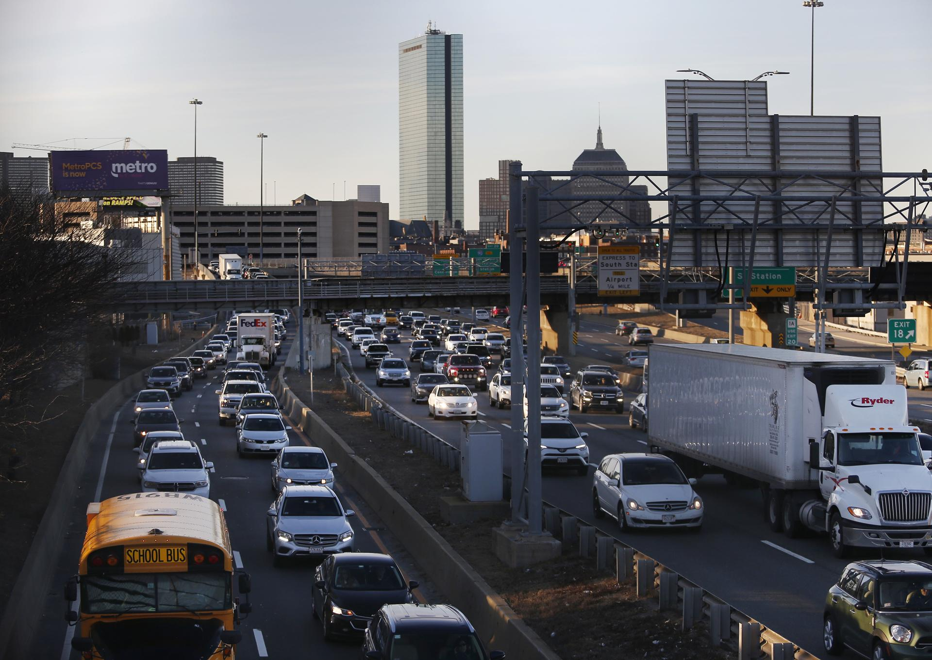 Boston has the worst rush-hour traffic in the country, says INRIX's annual report tracking traffic across the world.