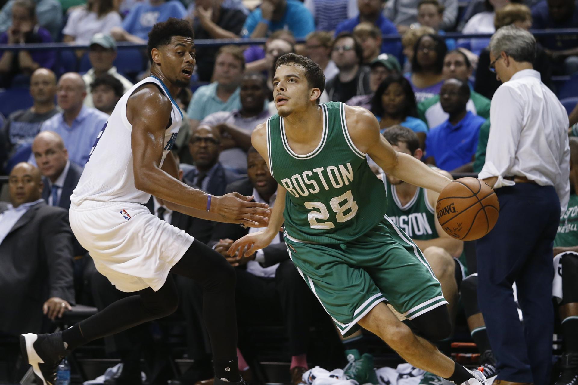 No easy decision on Celtics' last roster spot 97fb2b6972e84e3283158040c507ec6a-97fb2b6972e84e3283158040c507ec6a-0