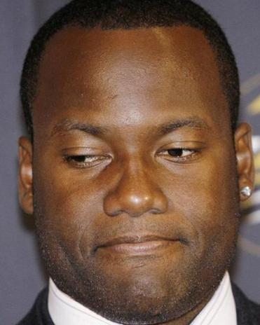 iami signed former Jaguars quarterback David Garrard Monday after its failed courtships with Peyton Manning and Matt Flynn.