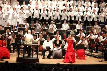 "Rafael Frühbeck de Burgos leads the BSO, the Tanglewood Festival Chorus, and soloists in ""La Vida Breve"" on Saturday."