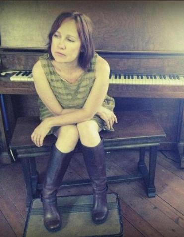 Country-folk singer and songwriter Iris DeMent performs Saturday in Fall River.