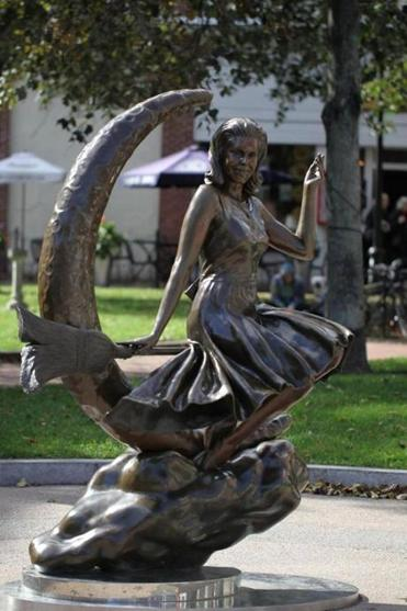 Salem Bewitched Statue