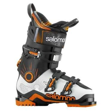 Salomon's Quest Max 100 boot has three buckles.