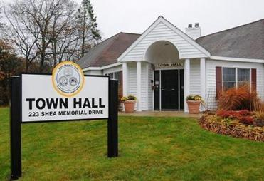 Weymouth 11/05/2012: The Town Hall at SouthField in Weymouth. Photo by Debee Tlumacki for the Boston Globe Reporter: Emily Sweeney