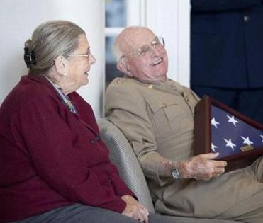 Dr. Joseph E. Murray and his wife, Bobby, attended a Veterans Day ceremony at Brigham and Women's Hospital on Nov. 12.