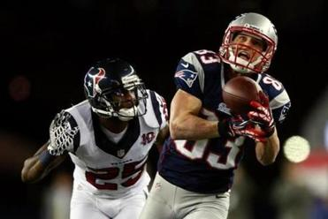 Wes Welker and the Patriots ran away from the Texans in the divisional playoffs.