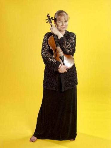 Violist Mary Ruth Ray had a long association with Emmanuel Music.
