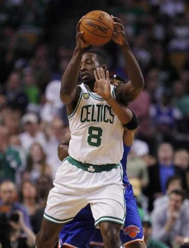 With no point guard on the roster, Jeff Green has been running the offense at times against the Knicks' airtight defense.