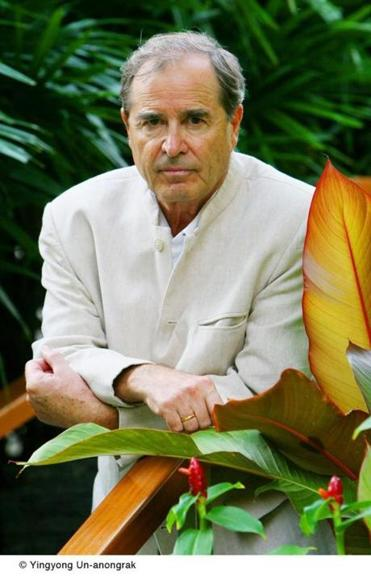 Paul Theroux takes on Africa and his own aging.