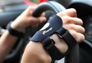 Sensors show how well a student's skin conducts electricity while driving. Changes in conductivity may signal stress.