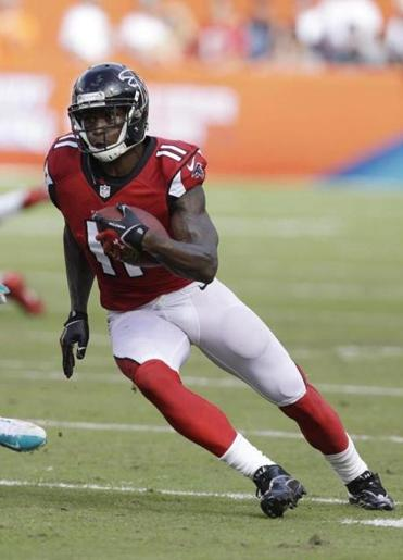 The electric Julio Jones puts a charge into the Atlanta  offense. (AP Photo/Wilfredo Lee)