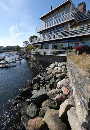 The new flood insurance rules are causing anxiety. In Marblehead, for example, the annual premium for Harborside Condominiums will soar, according to one condo owner there.