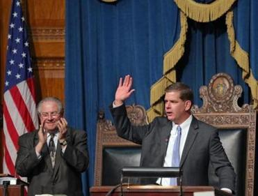 Walsh got a round of applause, including from Speaker Robert DeLeo, inside the House of Representatives chamber.