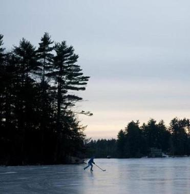 When the weather cooperates, Phillips Pond in Sandown, New Hampshire, offers 95 acres on which to glide.