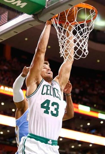 Kris Humphries's monster dunk in the first half was good for 2 of his 18 points.