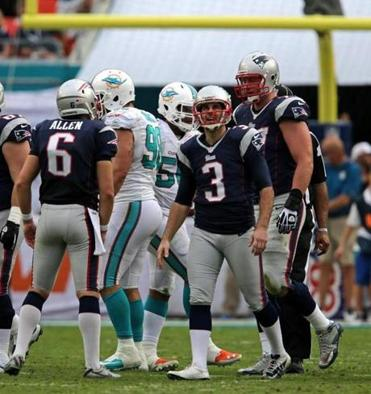 Stephen Gostkowski walked off the field after missing a 48-yard field-goal attempt in the third quarter.
