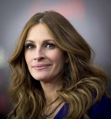 """I wished I would have known the difference between good manners and still maintaining what I felt personally belonged to me. . ."" said Julia Roberts, on advice she would give her younger self."
