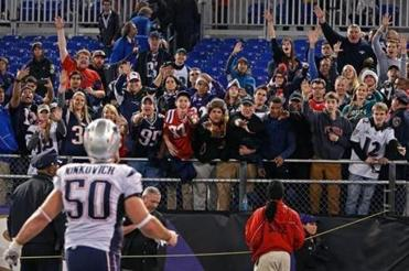 Patriots fans saluted Rob Ninkovich and another AFC East title after the win in Baltimore.
