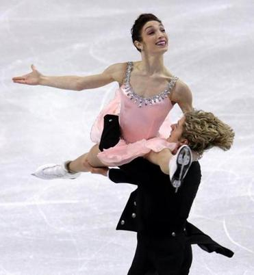 Meryl Davis and Charlie White, pictured in Friday's program, finished with 200.19 points.