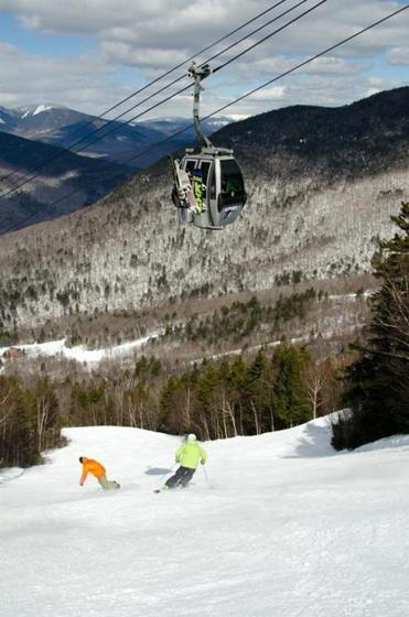The enclosed gondola to the Loon Mountain Summit Lodge.