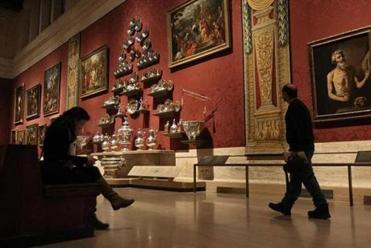 The Koch Gallery for old master paintings and Hanoverian silver was one of the galleries that was refurbished.