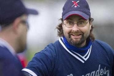 The Renegades' sighted coach, Rob Weissman, at practice in April.