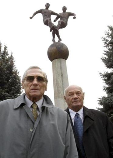 Mr. Grosics (left) and Jeno Buzanszky played roles in Hungary's famous victory over England in 1953.