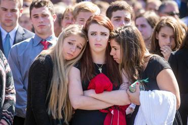 Winchester community gathers to remember high school ...