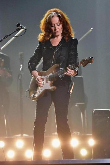 Bonnie Raitt performs during a tribute to blues legend B.B. King at this year's Grammy Awards.