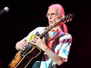 Steve Howe performed during the show in Lynn.