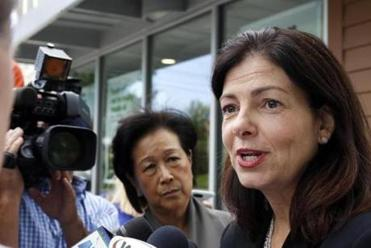 Kelly Ayotte doesn't think much of either major-party presidential candidate