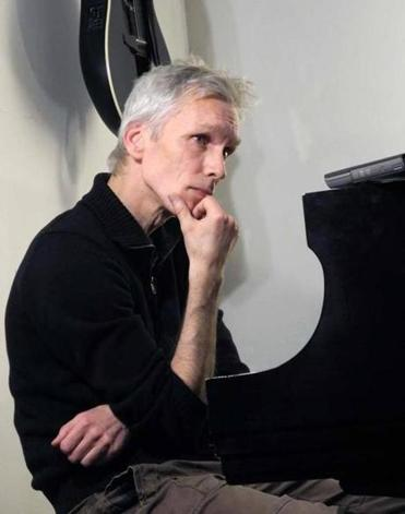 Reinier van Houdt performs at Goethe-Institut Boston Dec. 6.