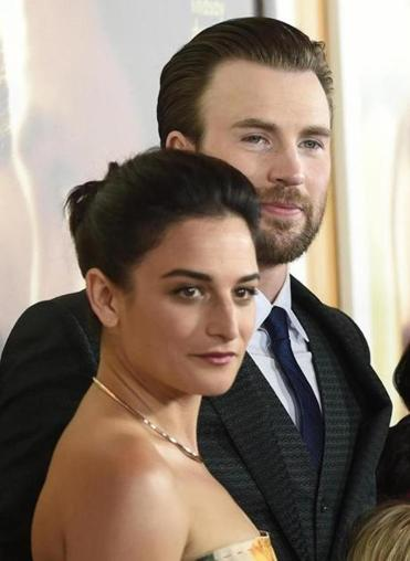 "Jenny Slate and Chris Evans at the ""Gifted"" premiere last April."