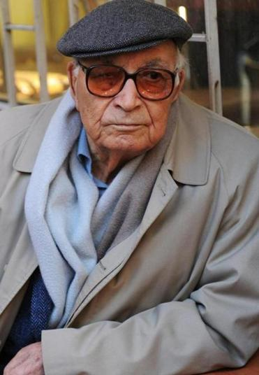Turkish author Yasar Kemal in Istanbul in 2011.