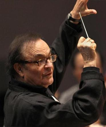 BOSTON ,MA 10 / 17 / 2012: Conductor Charles Dutoit rehearsing the BSO; conducting music talking with the musicians, consulting the score, giving directions from the podium. ( David L Ryan / Globe Staff Photo ) SECTION: LIFESTYLE TOPIC 26clasno -- TanglewoodArtists2014 -- TanglewoodArtists2014