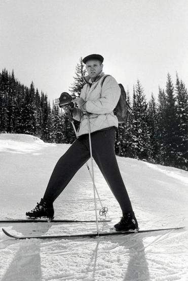 Mr. Miller, who made more than 500 feature and promotional films, introduced skiing and snowboarding to a wide audience.