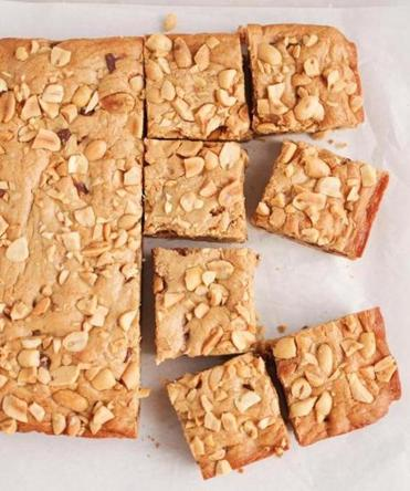 Peanut-butter chocolate-chip bars