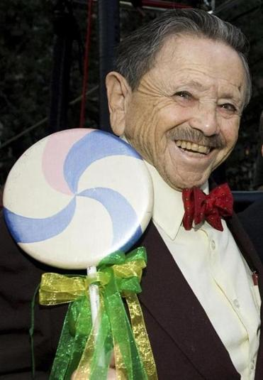 "Jerry Maren attended the ""Wizard of Oz"" 70th Anniversary Emerald Gala in New York in 2009."