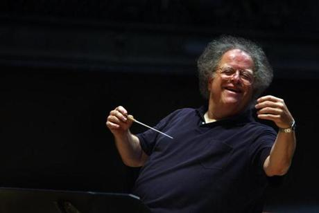 FROM MERLIN ARCHIVE DO NOT RESEND TO LIBRARY Boston, MA 2/11/09 BSO music director James Levine rehearses Mozart's Symphony 18 with the Boston Symphony Orchestra on Wednesday afternoon. Portrait not possible today because BSO wasn't notified the Globe was coming. Staff photo:Michele McDonald slug:Levine section: Arts reporter Jeremy Eichler Library Tag 02222009 Arts & Entertainment Library Tag 06152010 Metro
